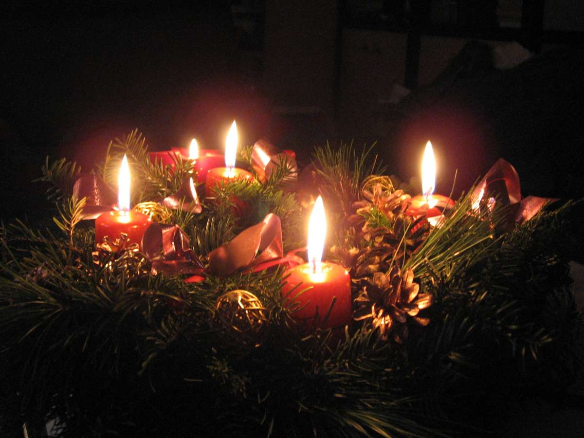 Advent Wreath With Candles Background Image, Wallpaper or Texture free ...