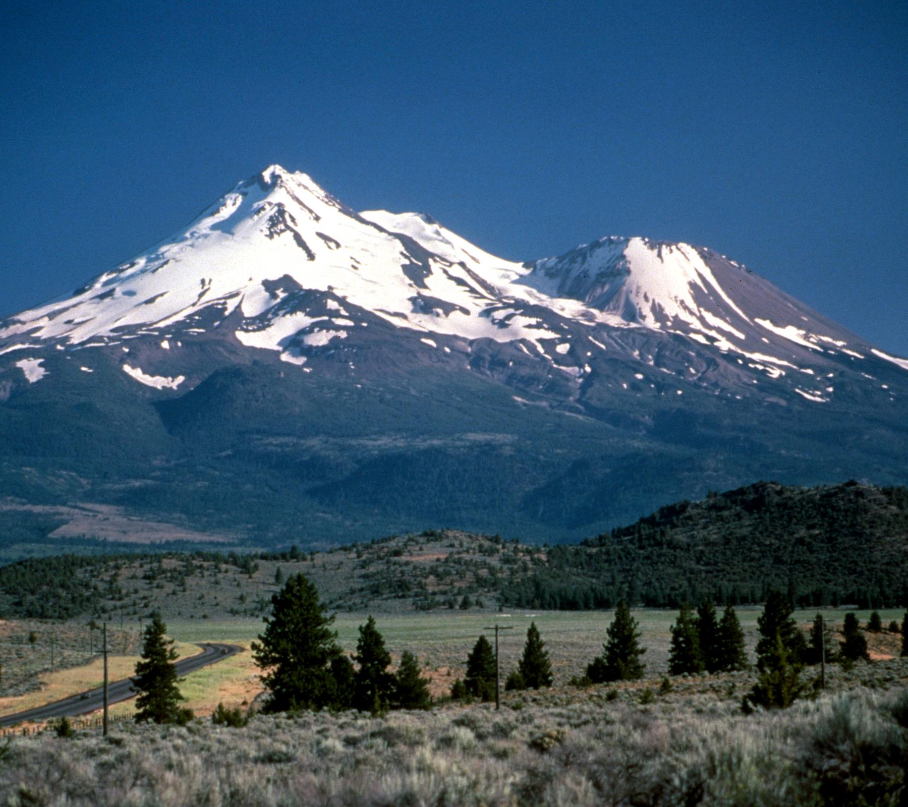 Mount Shasta Landscape Background 1800x1600 Background