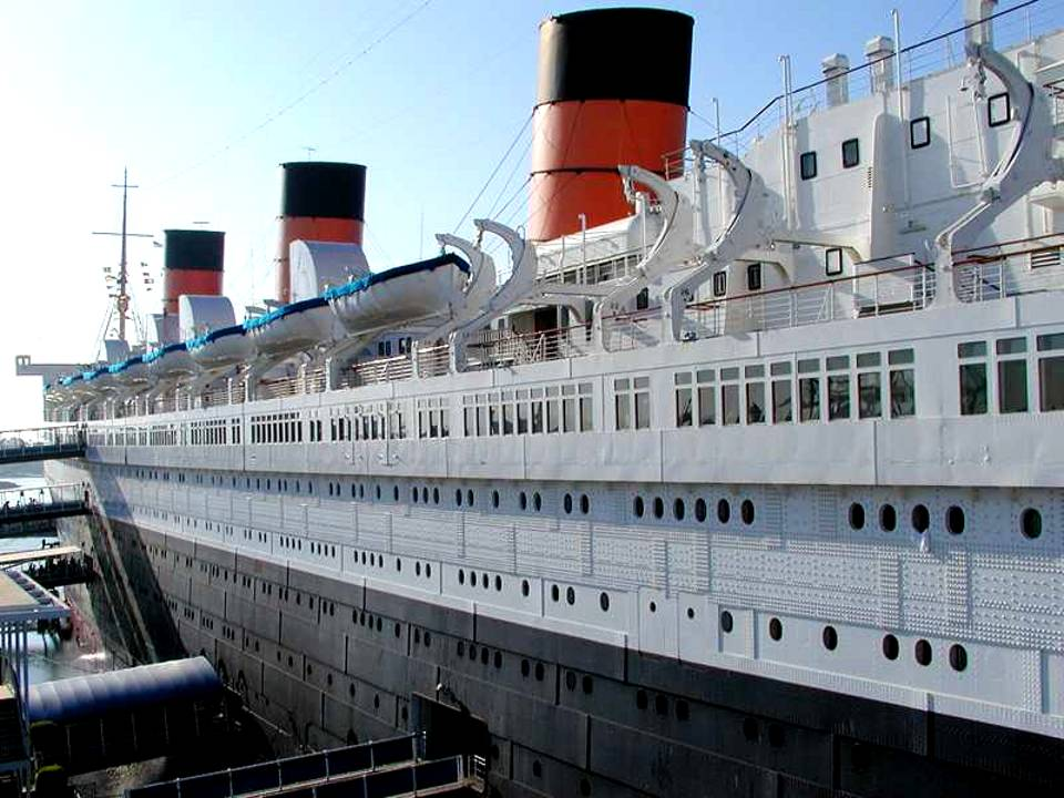 Queen Mary Ocean Liner History http://www.zingerbug.com/background.php?MyFile=queen_mary_ocean_liner.php&ID=C971.php